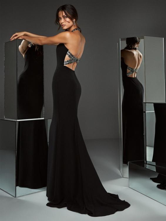 Pronovias вечерни фустани